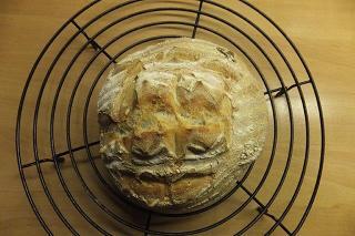 brood van wit deeg, thuisgebakken